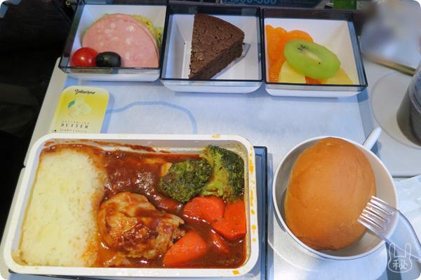 CI101便(成田から桃園空港)の機内食