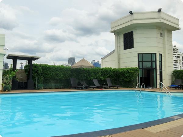 バンコクスーパーホテルのプール