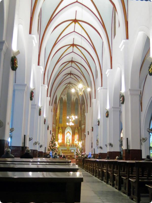ハノイ大教会ステンドグラス