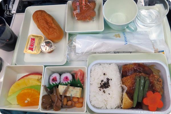 VN0311 和食の機内食
