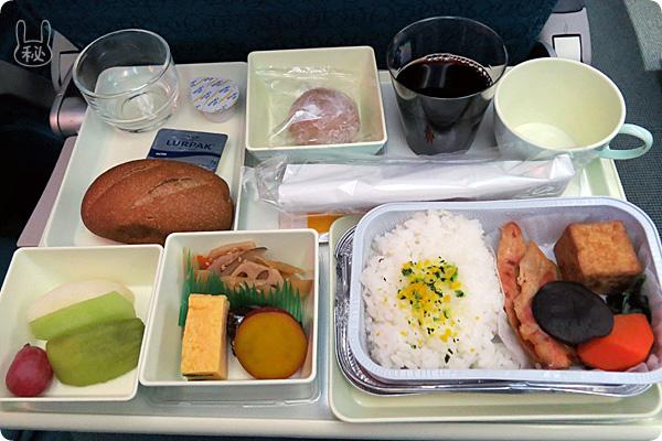 vn311ハノイ便の和食