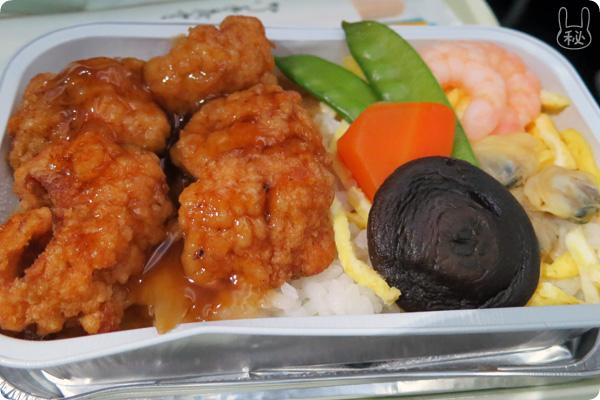ベトナム航空の海鮮丼