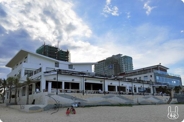 ビーチから見た4Uビーチ レストラン